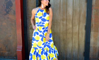 lemon print dress nude sandals white earrings