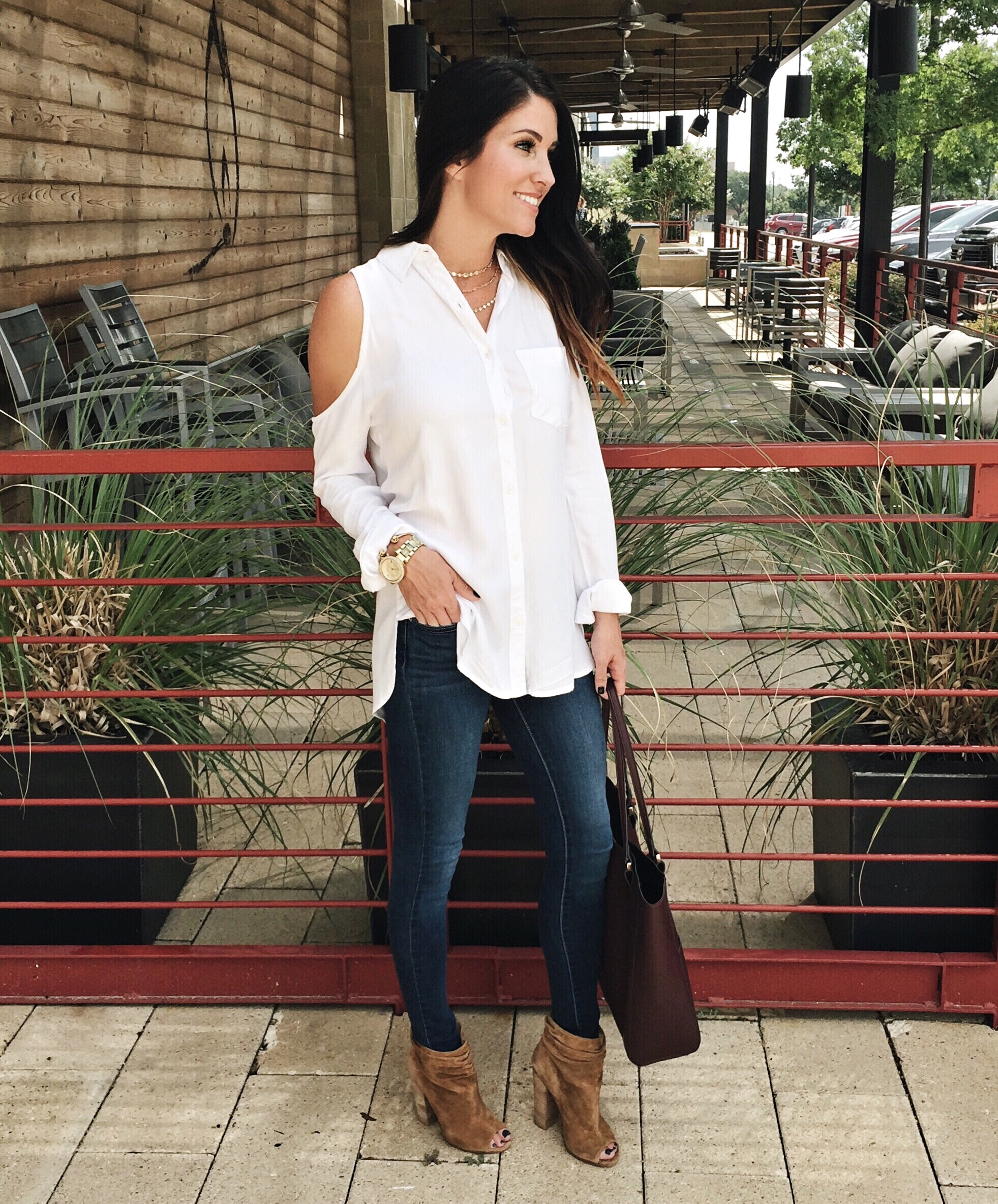 NSale The Final Days, White top, dark jeans, booties, tote