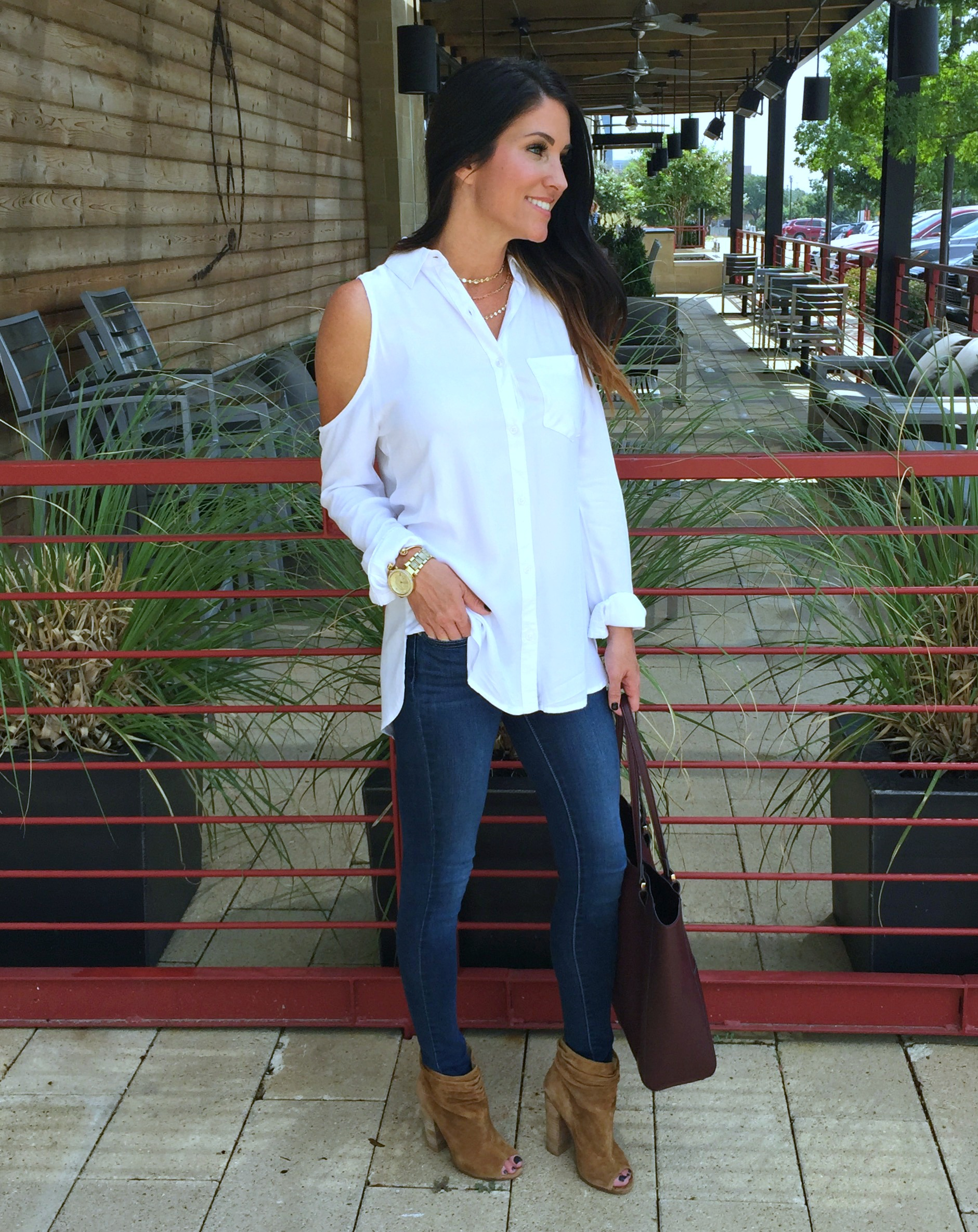 Cold Shoulder Top, Dark jeans, brown booties
