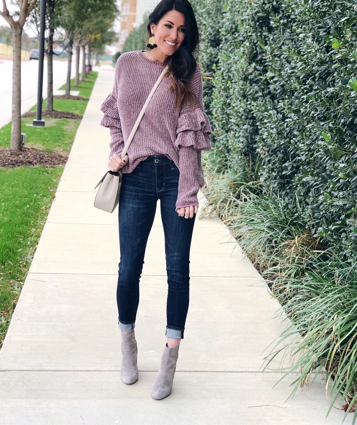 Fall fashion ,dark skinny jeans and sweater