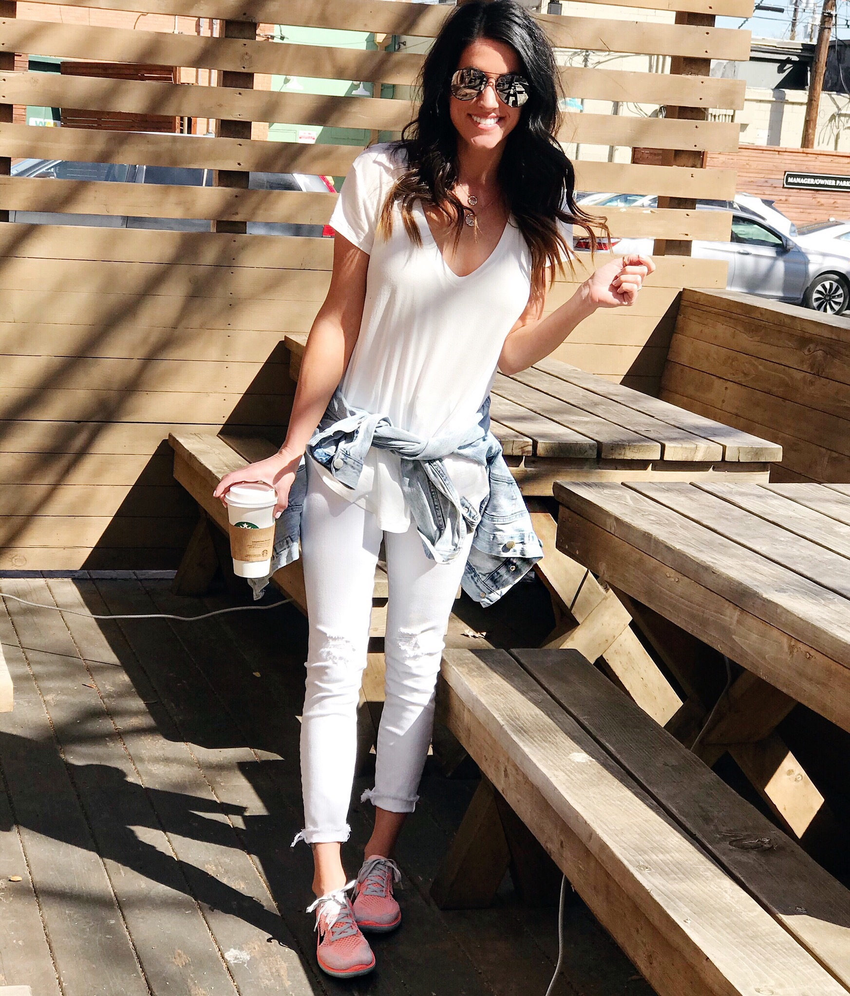 White Jeans outfit, sneakers, casual style
