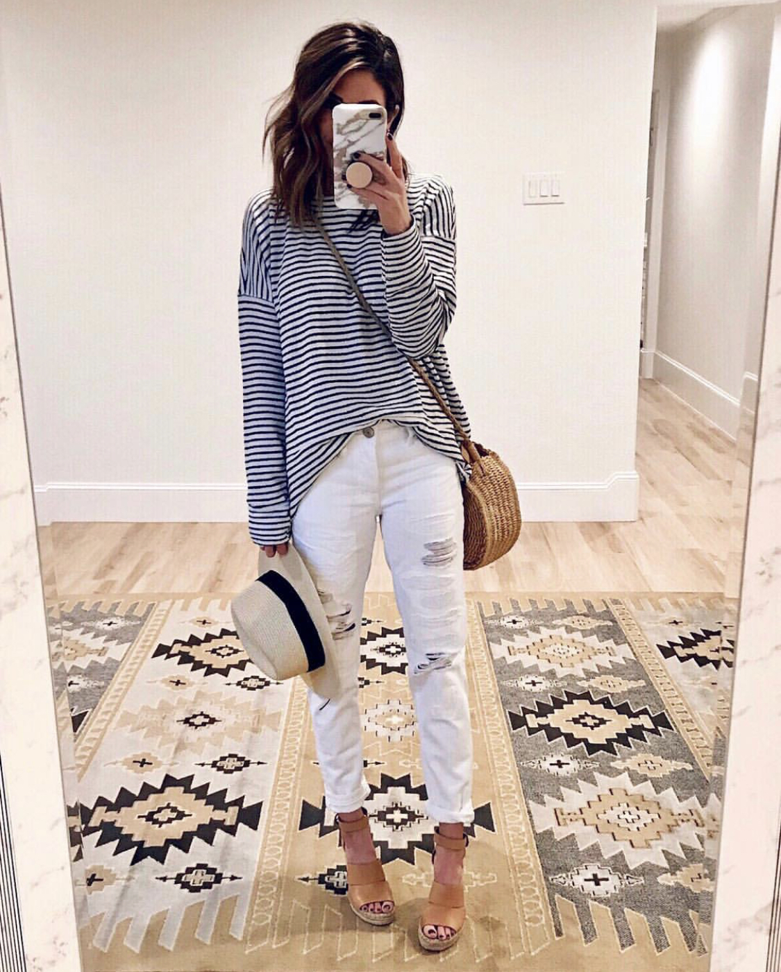 895c4f0cba 15 Ways to Style White Jeans - The Sister Studio